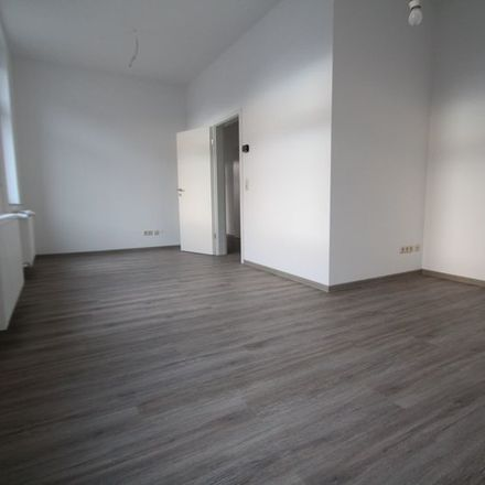 Rent this 3 bed apartment on Lohmannstraße 100 in 06366 Köthen (Anhalt), Germany