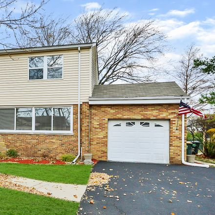 Rent this 4 bed house on N Prospect St in Niles, IL