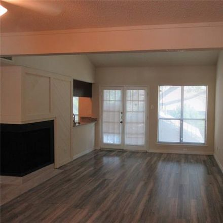Rent this 1 bed condo on Holly Hill Dr in Dallas, TX