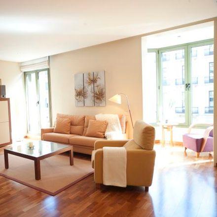 Rent this 4 bed apartment on Milano in Ronda de la Universitat, 35