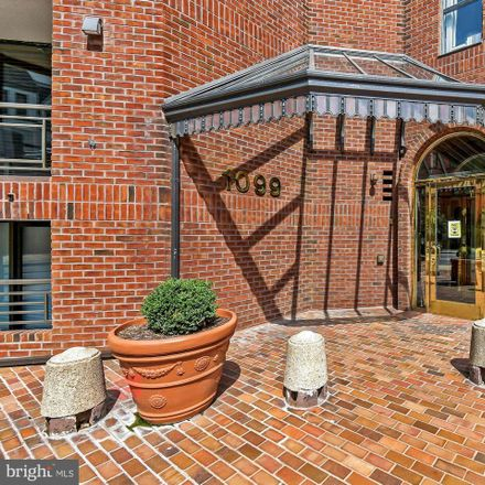Rent this 3 bed condo on The West End Place in 1099 22nd Street Northwest, Washington