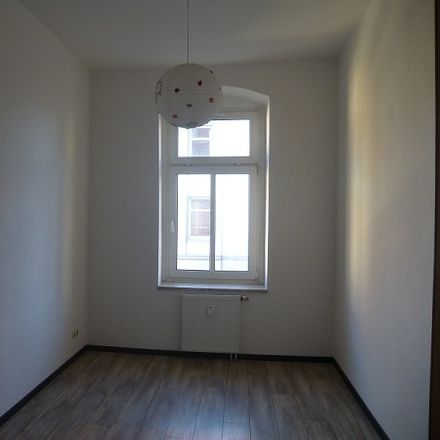Rent this 3 bed apartment on Mittagstraße 30 in 39124 Magdeburg, Germany