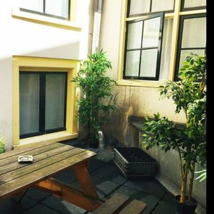 Rent this 3 bed apartment on TheMonkApartHotel.com in Monnikenstraat, 1012 BP Amsterdam