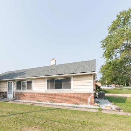 Rent this 3 bed house on 4001 W 106th Pl in Oak Lawn, IL
