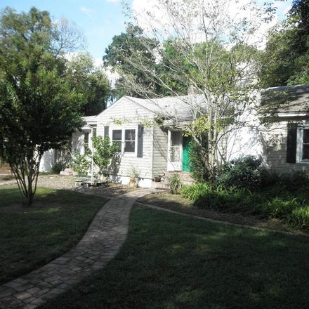 Rent this 3 bed house on 915 Laurel Avenue in Orlando, FL 32803