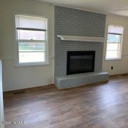 Rent this 3 bed house on 518 Fairfax Street in Clinton, NC 28328