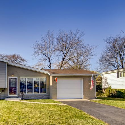 Rent this 3 bed house on 216 Valerie Ct in Glenview, IL