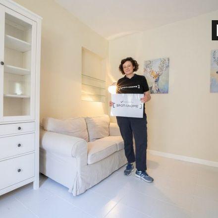 Rent this 1 bed apartment on Calle de la Escalinata in 2, 28013 Madrid