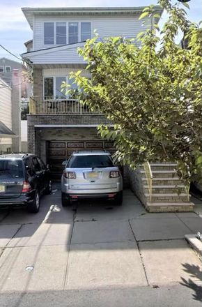 Rent this 3 bed apartment on Jersey City