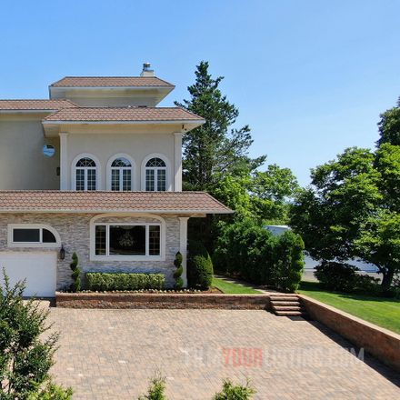 Rent this 6 bed house on 1205 Todt Hill Road in New York, NY 10304