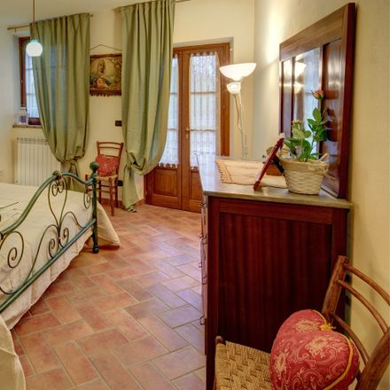 Rent this 1 bed house on Via Cappannelle in Castiglion Fibocchi AR, Italy