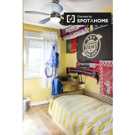 Rent this 3 bed apartment on Calle del Arroyo de las Pilillas in 23, 28030 Madrid