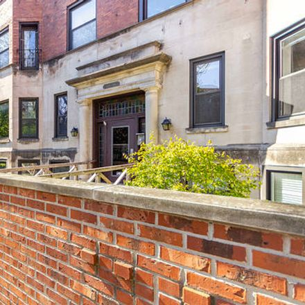 Rent this 2 bed townhouse on 1018-1024 West Byron Street in Chicago, IL 60613