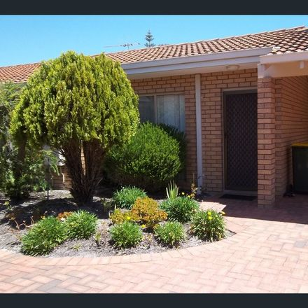 Rent this 2 bed townhouse on 3/62 Smith Street