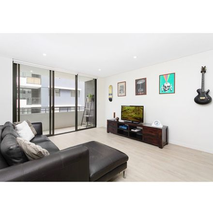 Rent this 2 bed apartment on 205/128 Willarong Road