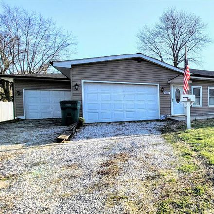 Rent this 3 bed house on 2534 Hemlock Avenue in Nameoki, IL 62040