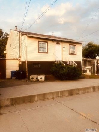 Rent this 5 bed apartment on Bay Ct in Far Rockaway, NY