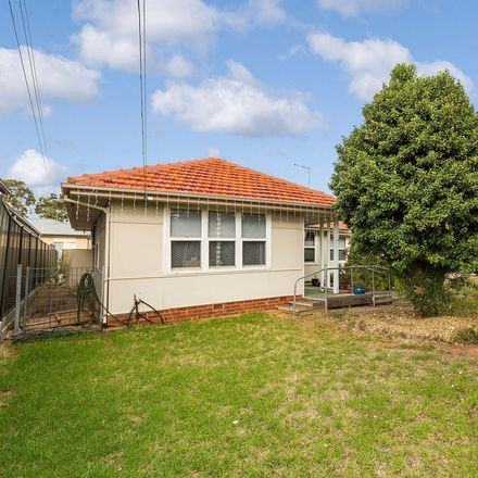 Rent this 3 bed house on 16 Darling Street