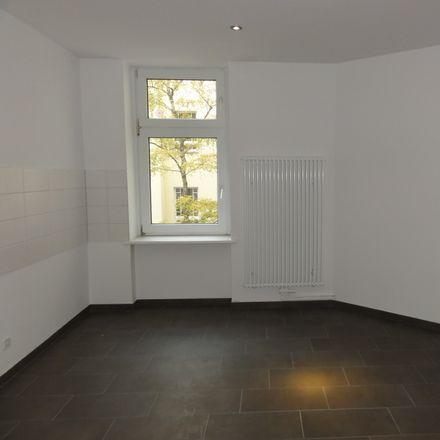 Rent this 3 bed apartment on Berlichingenstraße 18 in 10553 Berlin, Germany