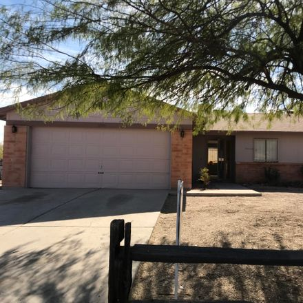 Rent this 3 bed house on 1595 West Calle Guadalajara in Tucson, AZ 85713