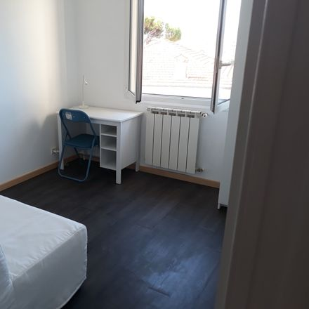 Rent this 2 bed room on 98B Boulevard du Président Wilson in 06160 Antibes, France