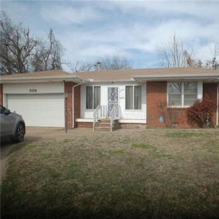 Rent this 3 bed house on 333 West Jarman Drive in Midwest City, OK 73110