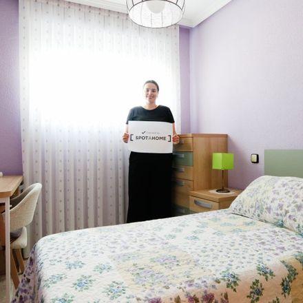 Rent this 3 bed apartment on Calle de Monederos in 3, 28026 Madrid
