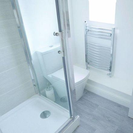 Rent this 4 bed house on 6 Beech Grove in Kirk Ella HU13 0LJ, United Kingdom
