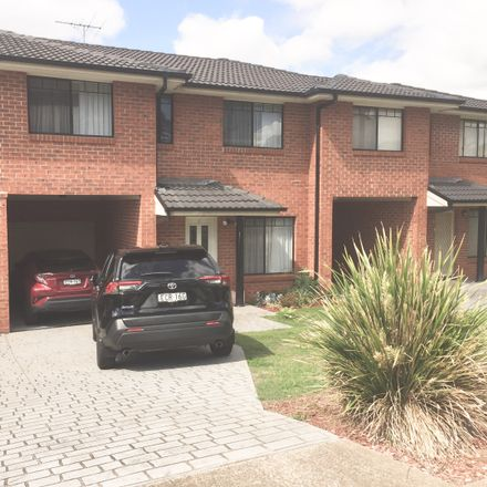 Rent this 4 bed townhouse on 5/16-18 Methven Street