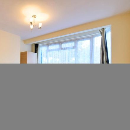 Rent this 2 bed apartment on London HA8 7ST