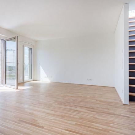 Rent this 3 bed condo on Versmannstraße 16 in 20457 Hamburg, Germany