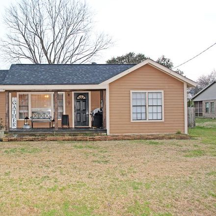Rent this 4 bed house on 67th St in Port Arthur, TX