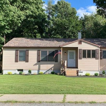 Rent this 3 bed house on 5 Hackensack Avenue in Warrensburg, NY 12885
