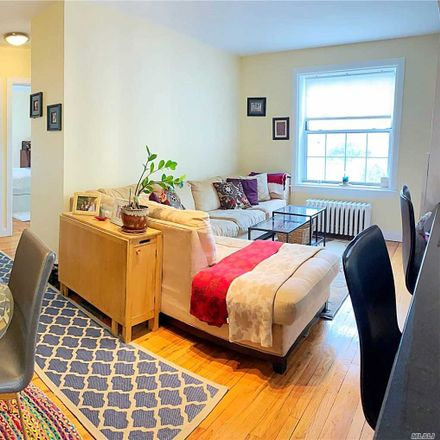 Rent this 2 bed condo on 30th Avenue in New York, NY 11103
