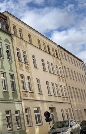 Rent this 2 bed apartment on Dieskauer Straße 13 in 06112 Halle (Saale), Germany