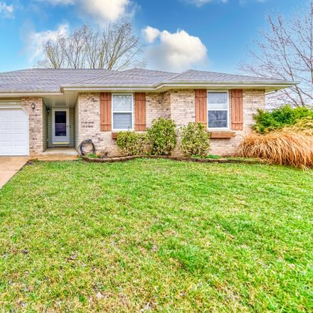 Rent this 3 bed house on 1204 North Golden Avenue in Springfield, MO 65802