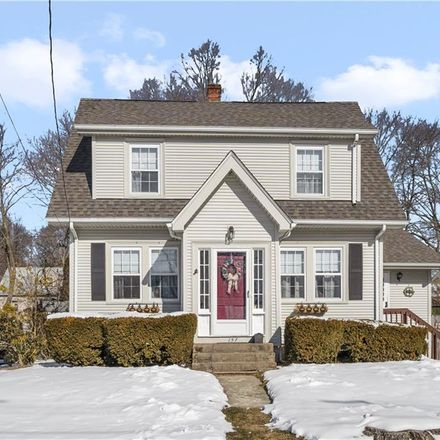 Rent this 3 bed house on 157 Country Club Drive in Warwick, RI 02888