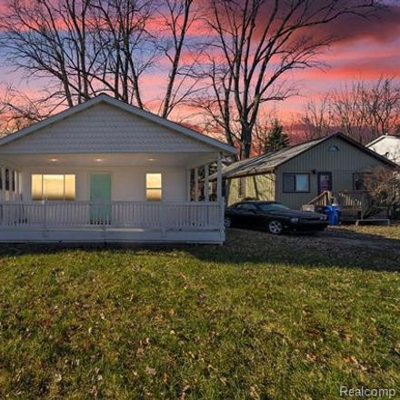 Rent this 2 bed house on 860 Sunrise Park St in Howell, MI