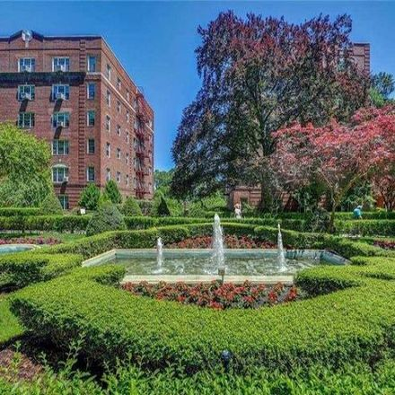 Rent this 2 bed condo on 112-61 78th Avenue in New York, NY 11375