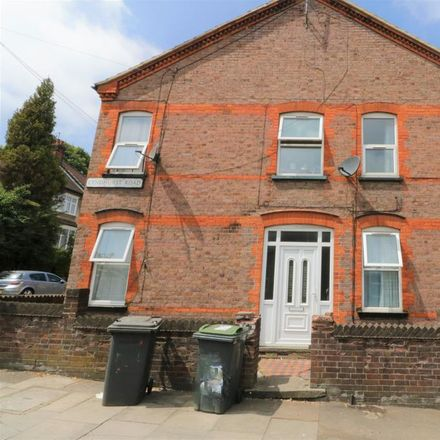 Rent this 1 bed apartment on Lyndhurst Road in Luton LU1 1LN, United Kingdom