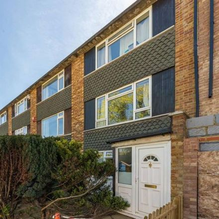 Rent this 2 bed apartment on Rothesay Court in Le May Avenue, London SE12 0BD
