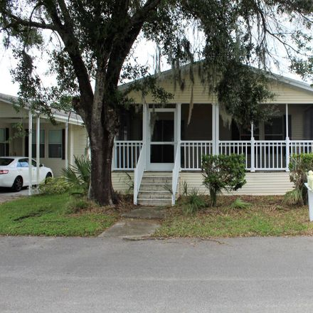 Rent this 2 bed house on Falcon Crst E in Plant City, FL