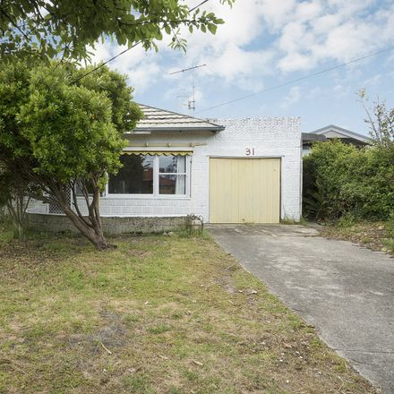 Rent this 3 bed house on 31 Capel Avenue