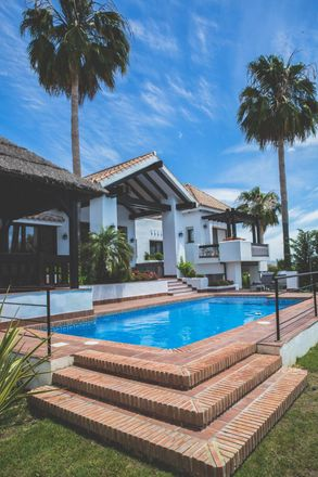Rent this 5 bed house on 29679 Benahavís