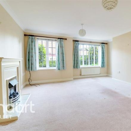 Rent this 3 bed house on The Old White Hart in London Road, Hart RG27 9DJ