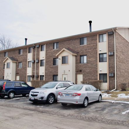 Rent this 2 bed townhouse on 17 Cedar Court in Vernon Hills, IL 60061