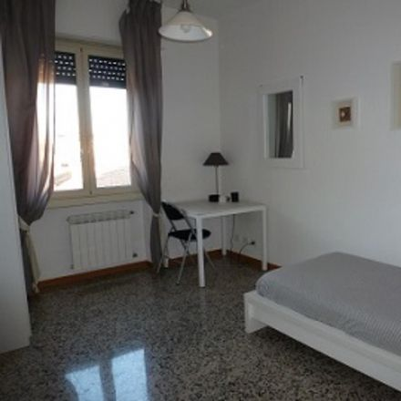 Rent this 3 bed room on Via Portuense in 471, 00149 Rome RM