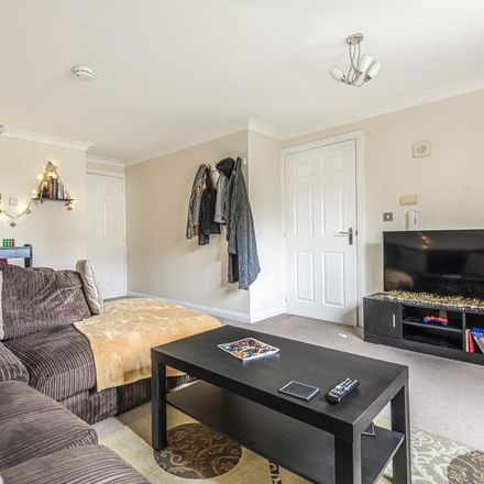 Rent this 2 bed apartment on Newbury Sewage Treatment Works (STW) in Lower Way, Thatcham RG19 3TF