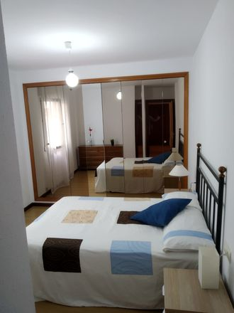 Rent this 3 bed room on Calle Marcelino González in 33209 Gijón, Asturias