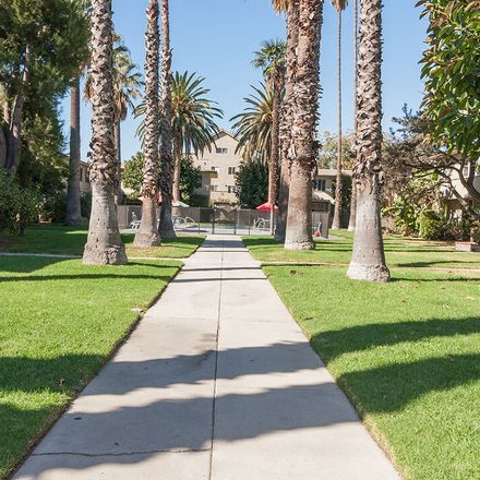 Rent this 1 bed house on 5303 Cahuenga Boulevard in Los Angeles, CA 91601